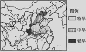 阅读材料.完成下列各题. 材料一 伊犁河谷被誉为 中国天府 . 西域湿岛 .材料二 新疆局部地区年降水量图.伊犁河谷地区地形分布示意图. 1 从图中可以看出.甲地形区的降水量比周围